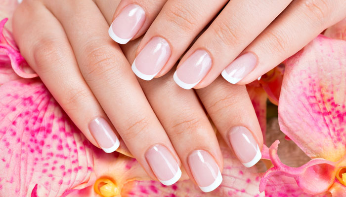 french-manicure-featured-image.jpg